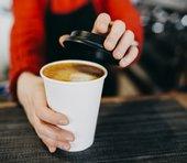 コンビニのセルフコーヒー差額50円で逮捕まで?注意では済ませられない背景とは…=三宅雪子