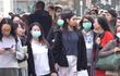 帰国した武漢の在留日本人5人を搬送。記者会見に批判の声が殺到