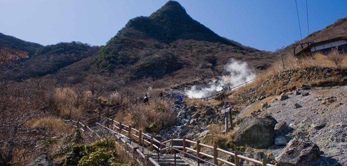 Mt.Kanmurigatake_from_Owakudani_02