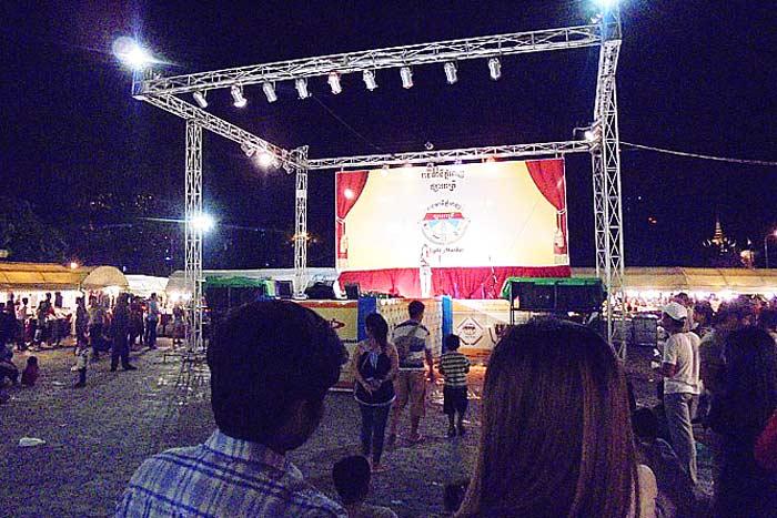 カンボジア人は音楽が大好き!特に若者には恋愛系の歌が人気