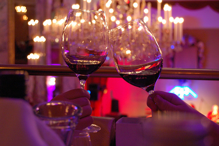 政府が国産ワインの品質を保証する新法制定へ!ってことはワイン関連企業に注目!
