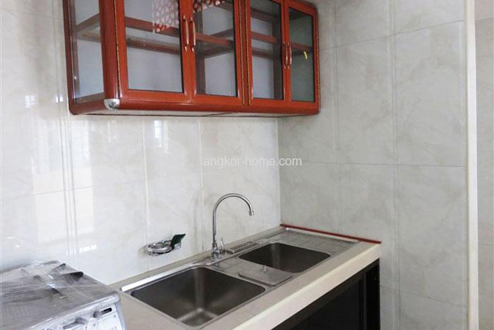 キッチンは共同になるが綺麗。部屋にはホットシャワー付き