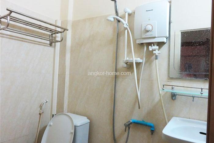 トイレ・シャワー・洗面が一箇所になっているのは、カンボジアではよくあるスタイル