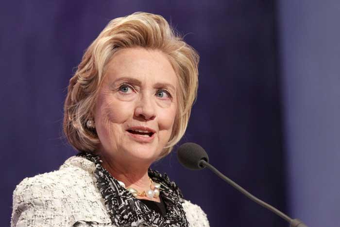 泡沫候補に支持率で迫られる本命ヒラリー。風向きが変わってきた米大統領選