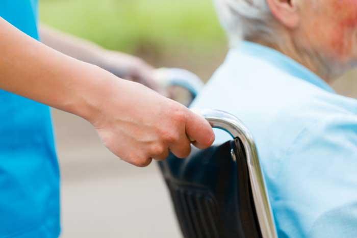 負担額は増加傾向。現役世代も今から知るべき新・介護保険制度=ファイナンシャルプランナー・新美昌也