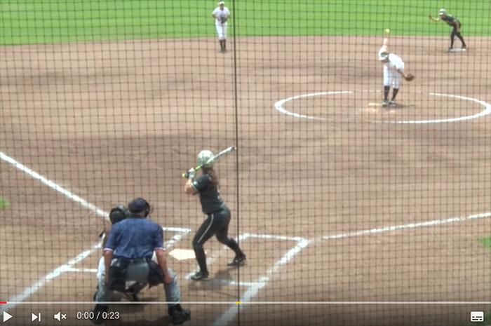 【忍者かな?】アメリカの女子ソフトボールで飛び出した神走塁が予想外すぎる!