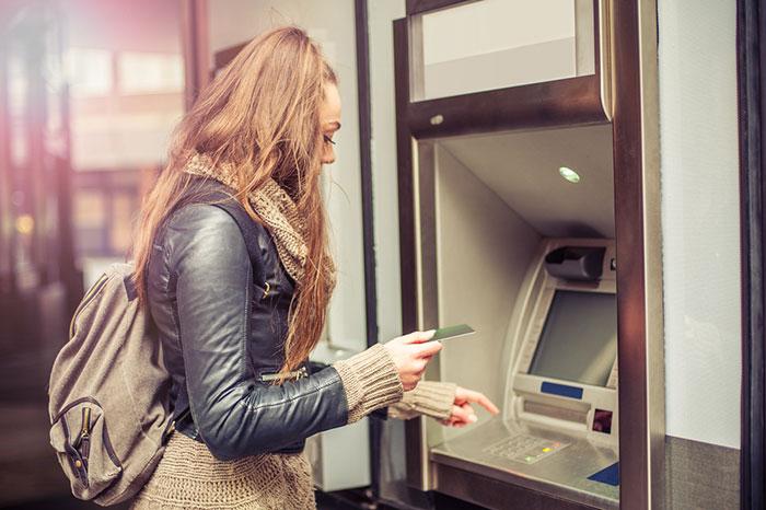 マイナンバーがなくても海外送金できる「意外な銀行」とは?=森田朝美