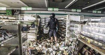 福島原発「警戒区域」に潜入、外国人カメラマンが見た残酷な現実