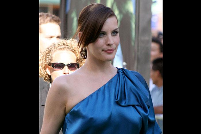 「世界で最も美しい授乳」ハリウッド女優リヴ・タイラーさんが写真公開!
