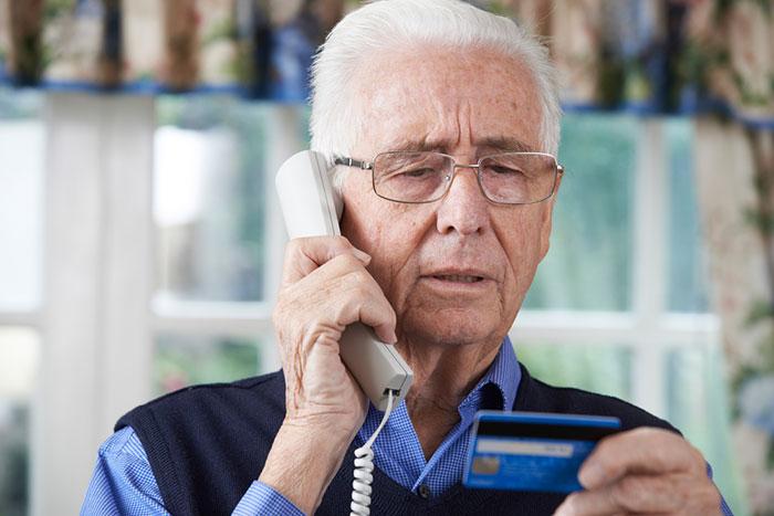 狙いは高齢者の資産。「マイナンバー詐欺」に騙される人、騙されない人=街