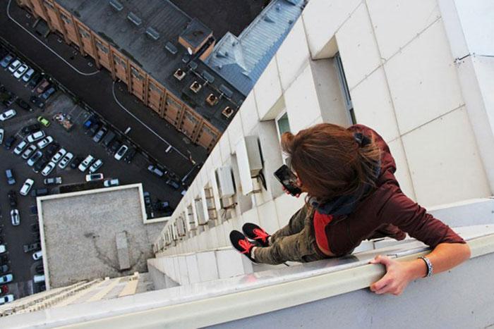 世界で最も危険な自撮り~ロシア美人カメラマン「自撮志願」の理由!