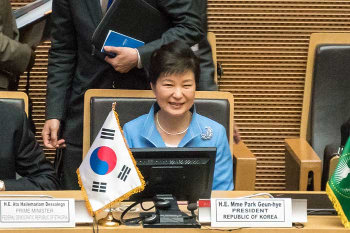 まさに無政府状態。朴槿恵大統領を「断頭台」に送り込み自滅する韓国