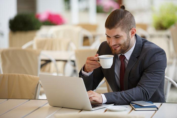 投資成績がアップする夢の朝食!? 「ギーコーヒー」が凄くイイ感じです=八木翼