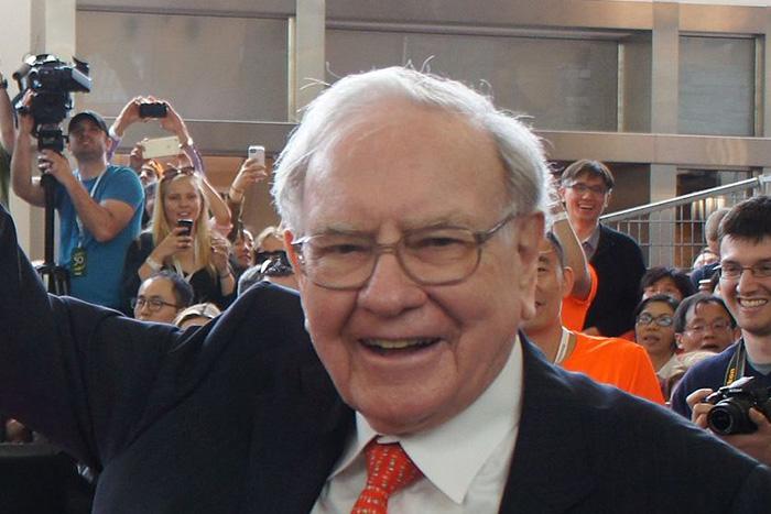 バフェットはなぜ上昇し続ける米国株を「割安」と判断しているのか?=東条雅彦