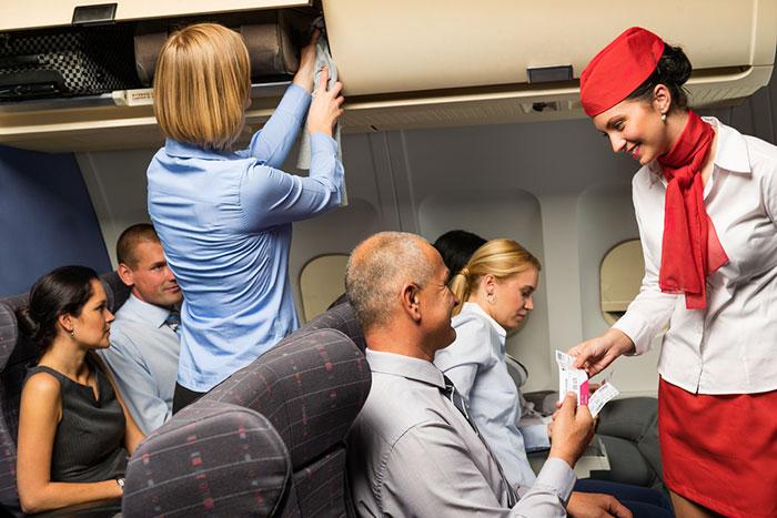 米国の航空会社はなぜ強引に乗客を引きずり下ろすようになったのか?=児島康孝