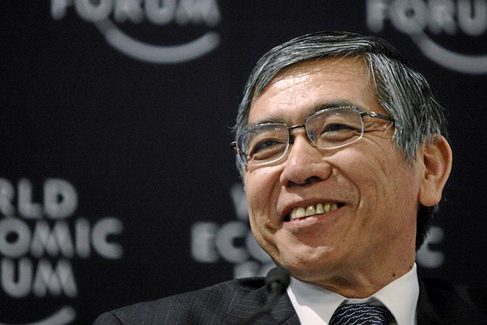 「株式上手」の黒田さん。いまの日銀は国債運用が少しニガテらしい=児島康孝