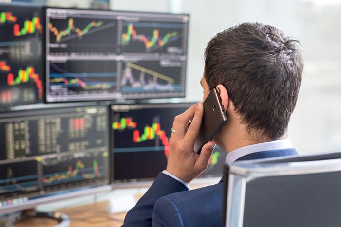 今、史上最高値圏のアメリカ株式市場から逃げようとしているのは誰だ?