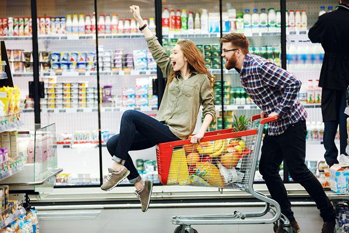 「貧乏体質」な人の共通点って?スーパーの安売りが好きな人は危ない=川畑明美