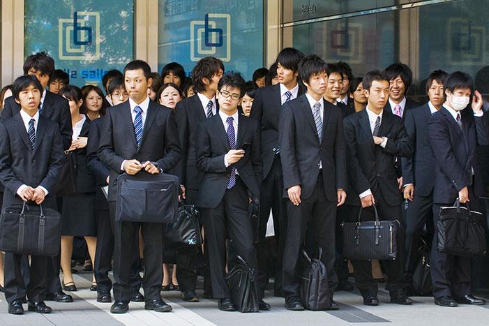 投資対象としても魅力アリ?「平均年収1千万円超」の会社いろいろ=山田健彦