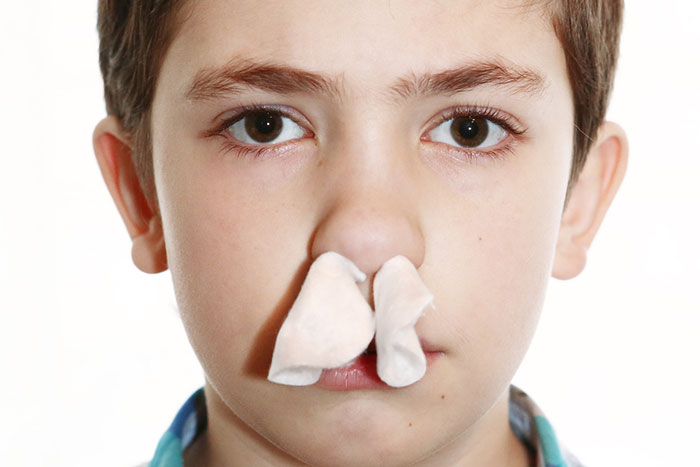 小学生時代に「鼻毛をライターで燃やして病院送りになった」男性の貴重な体験談