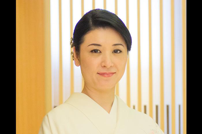 銀座の美人ママ・日高利美さんが教える「すべらないお店選び」6つのルール