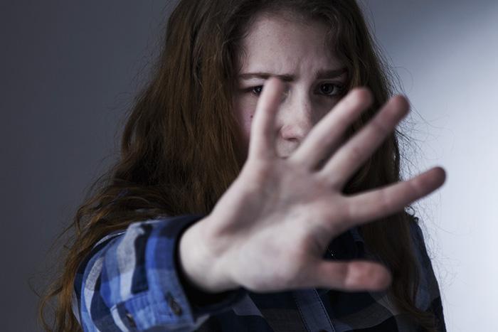 中学生をヘイトスピーチで中傷。SNSごとに人格を変えるネット攻撃の闇=三宅雪子