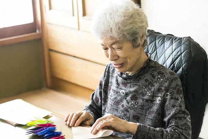 女性に多い老後の「おひとり様」。貧困転落を回避するための資産は?=川畑明美