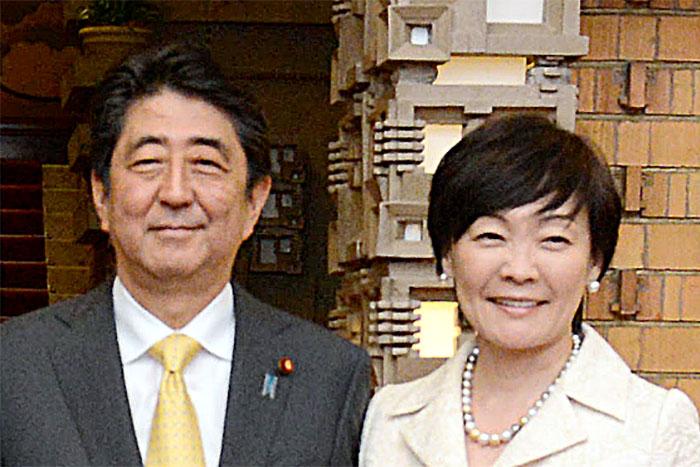 なぜ安倍首相と昭恵夫人の行動は私たちをイライラさせるのか?=三宅雪子