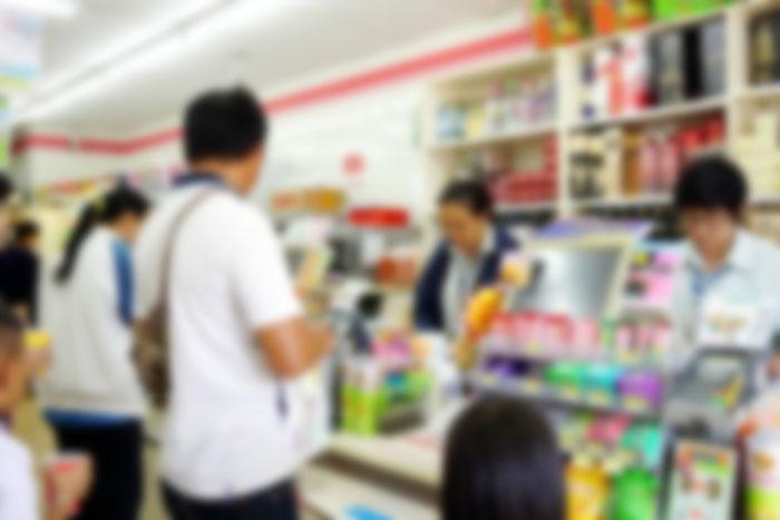 止まらぬ人手不足。スーパー新店舗のチラシ最上段に「パート募集」の異常さ=街