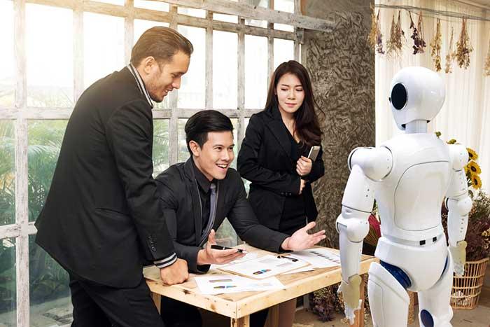 ロボット化の恩恵を受けるのも富裕層。庶民が負け組から抜け出す方法はあるか=田中徹郎