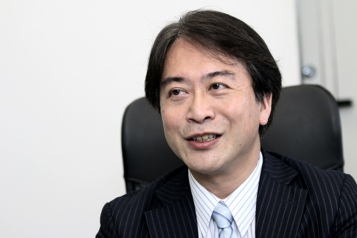 元メガバンクの融資担当にして、不動産収入が年間8,000万円のスーパー大家・岡本公男氏