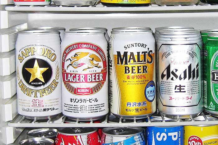 日本人のビール離れが止まらない。大手4社の「生き残り」対策に明暗=栫井駿介