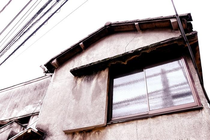 築古アパートの外壁に使われていることが多いモルタル壁