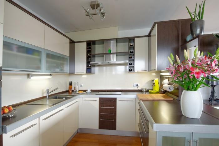 システムキッチンの導入は、物件の入居者属性を踏まえないと無駄な投資になってしまう