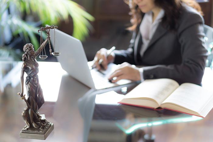 美しすぎるビジネスモデル「弁護士ドットコム」が持つ2つのネットワーク効果=シバタナオキ