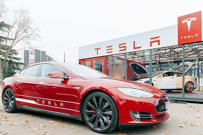 生産台数さえ上がれば世界を取れる? 電気自動車テスラの現状がわかる5つの数字=シバタナオキ