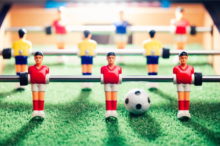 W杯に匹敵する盛り上がり! テーブルサッカー世界王者vs9人の一般人、どうなる?
