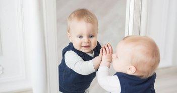 baby mirror eye