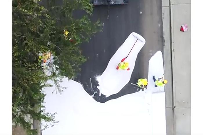 道路を白く塗れば6~8℃も涼しくなる? 猛暑の米国で開発された新手法に世界が注目
