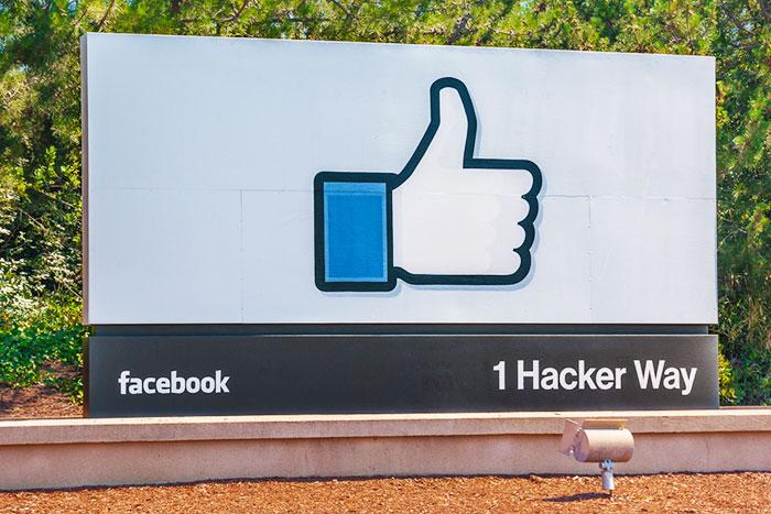 フェイスブック、ツイッター株急落は、米国経済凋落の危険なサインなのか?=江守哲