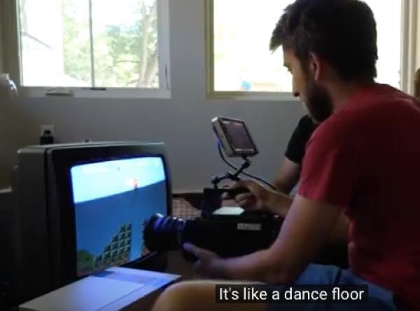 出典:YouTube(The Slow Mo Guys)