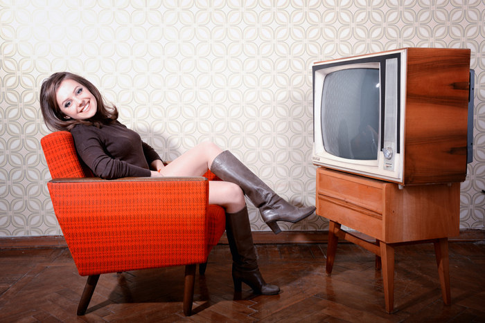 TVはなぜ映る? ブラウン管TVと超スロー映像を使った解説が超わかりやすい!