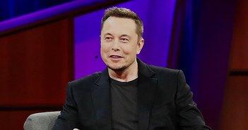 191002_Elon_Musk_eye
