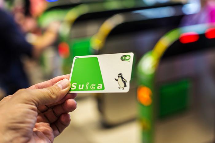訪日観光客が「Suica」をベタ褒め。アップルが惚れた技術と世界統一への明るい未来=岩田昭男