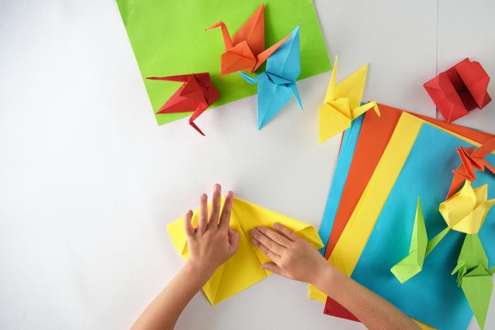 面白い鶴の誕生。姪っ子が作った「折り鶴」がインドア派すぎて飛ぶ気がない