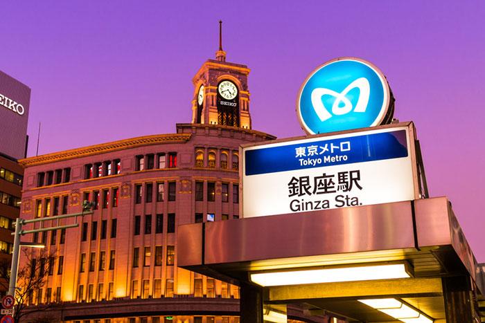 銀座に戻ってきた訪日観光客、人通りが途絶えない限りこの円安は続く=高梨彰