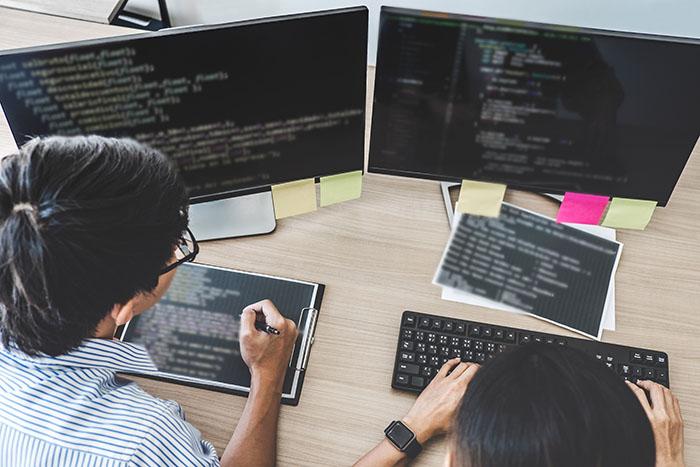 ソフトウェア開発は超多忙!最新の業界動向から業界の行方を推察=山田健彦