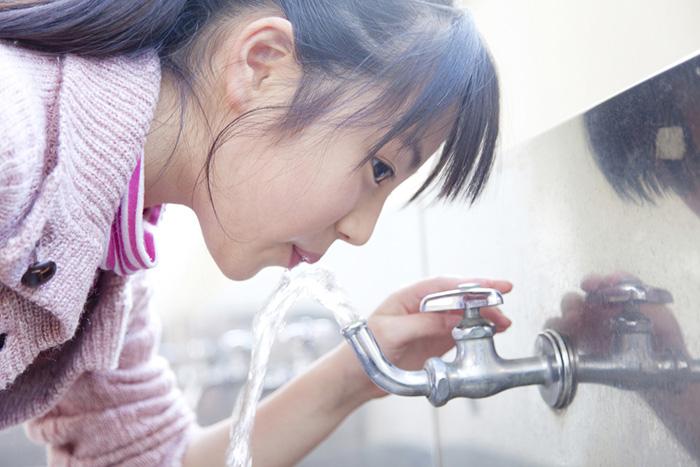 ついに始まった水道民営化、なぜ日本は海外「水道代5倍」の失敗例を無視するのか?