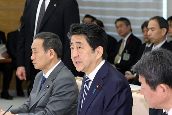 2019年、安倍政権は米ロに引導を渡される?日本経済を襲う政治リスクと4つの壁=斎藤満