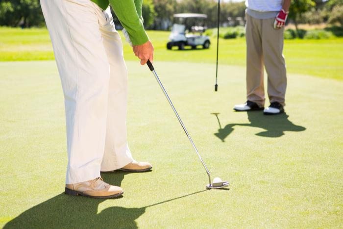 ゴルフ税を廃止する法案を提出。さらに、利害関係者とのゴルフを禁じる法律も改定へ?=三宅雪子
